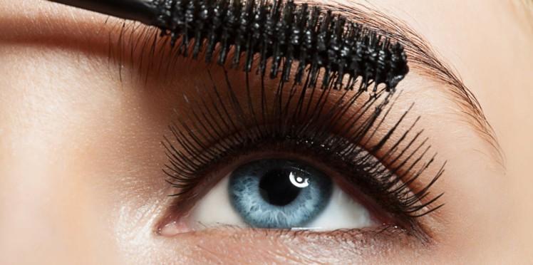 Mettre du mascara tous les jours est un danger pour les yeux ! - Tendances  People Mag
