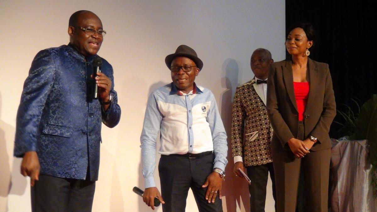 Sylviane Gboulou et Michel Gohou sont faits Citoyens d'honneur de la ville de Bangui par M. Le Maire